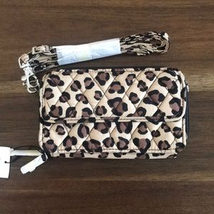 🆕 Vera Bradley All In One Crossbody and Wristlet